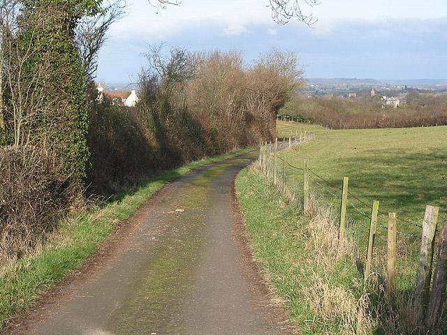 Farm entrance at Hillend Green