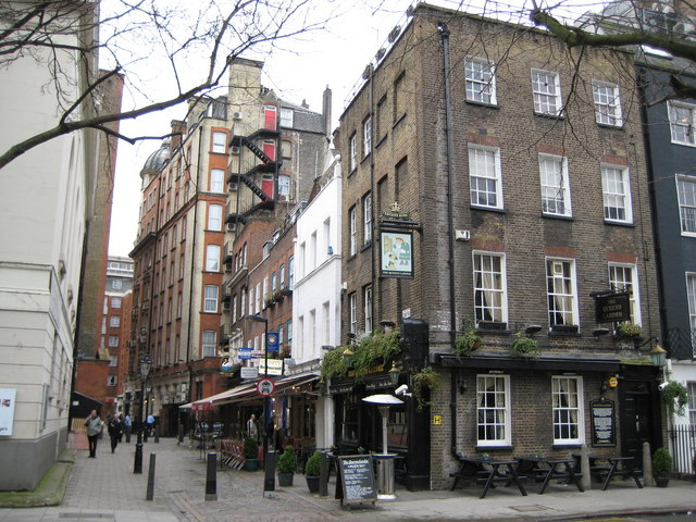 Bloomsbury: Cosmo Place & The Queen's Larder, WC1