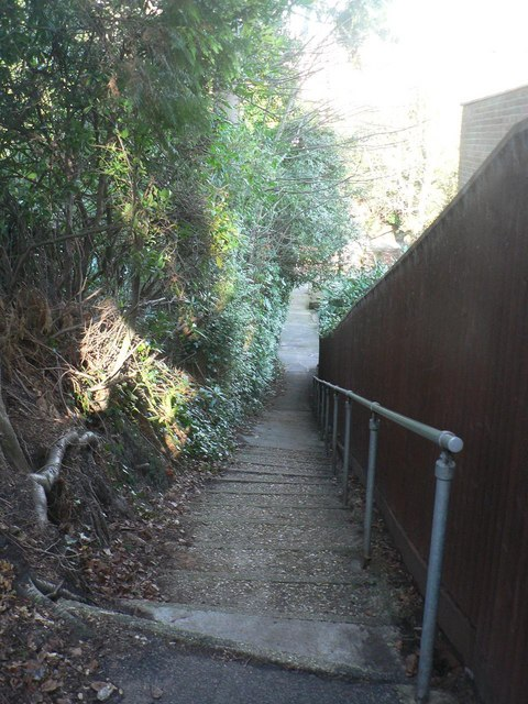Bournemouth: steps on footpath A02