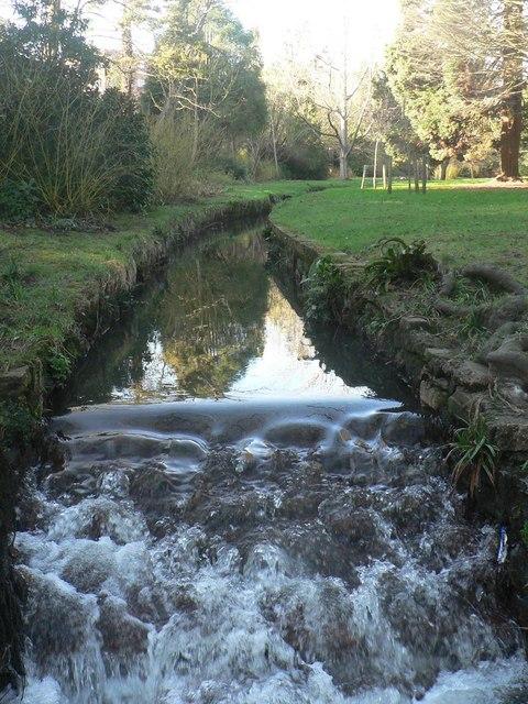 Bournemouth Gardens: small waterfall