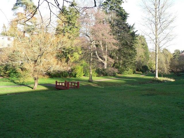 Bournemouth Gardens: red footbridge