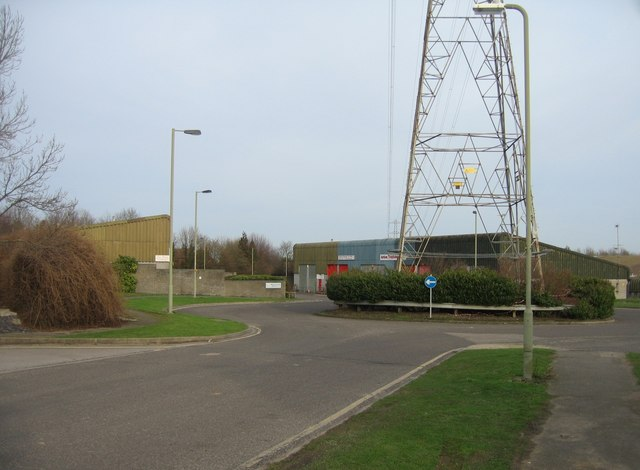 Pylon in the roundabout at the end of Roentgen Road