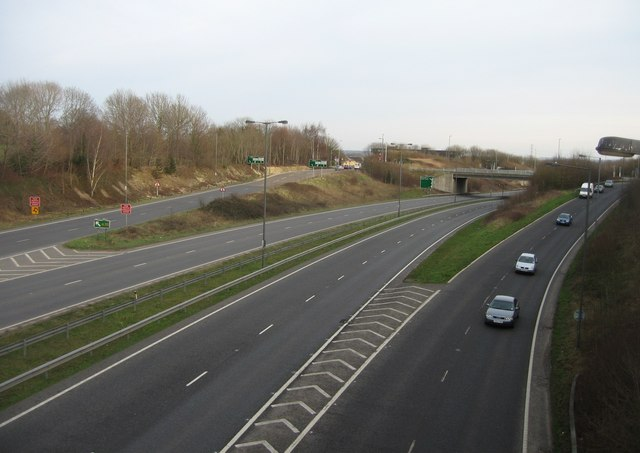 Reading Road roundabout - Ringway North