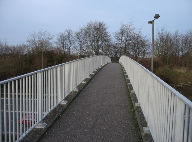 Footbridge between Oakridge & Shakespeare Road
