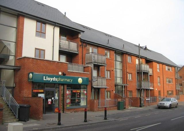 Lloyds pharmacy - Oakridge Road
