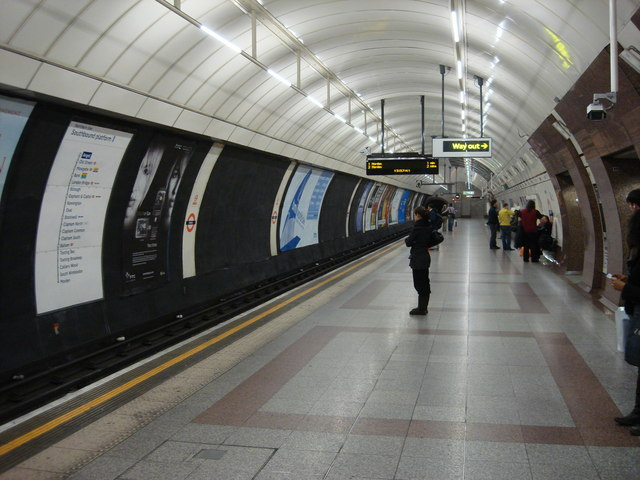 Angel tube station, Southbound platform