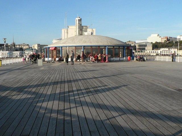 Bournemouth: pier café