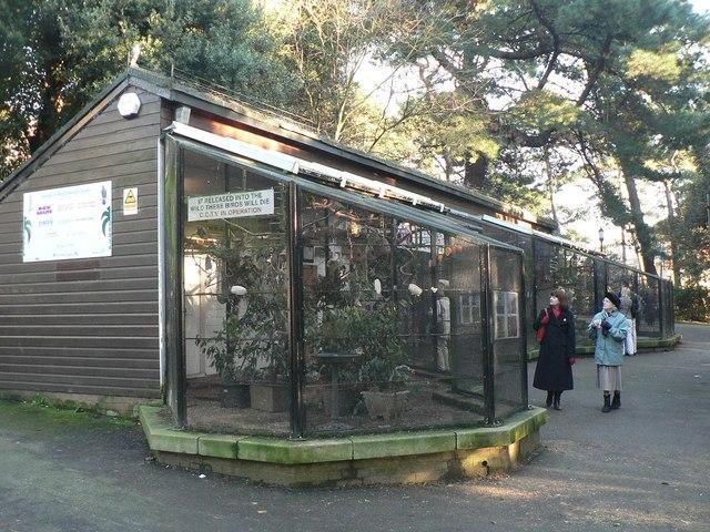 Bournemouth Gardens: the aviary