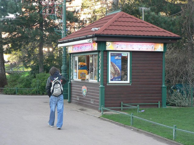 Bournemouth Gardens: ice cream kiosk