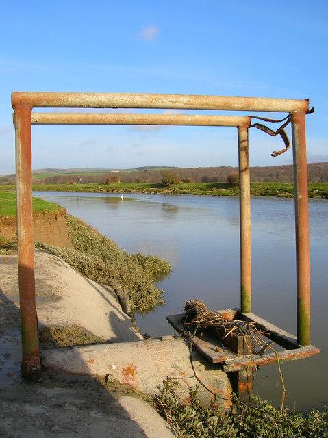 Sluice, Cuckmere River