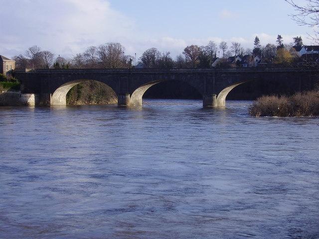 Kelso. Bridge  over the River Tweed