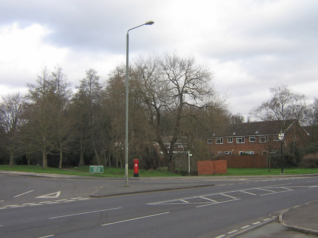 Junction of Ormonde Avenue and Crofton Road