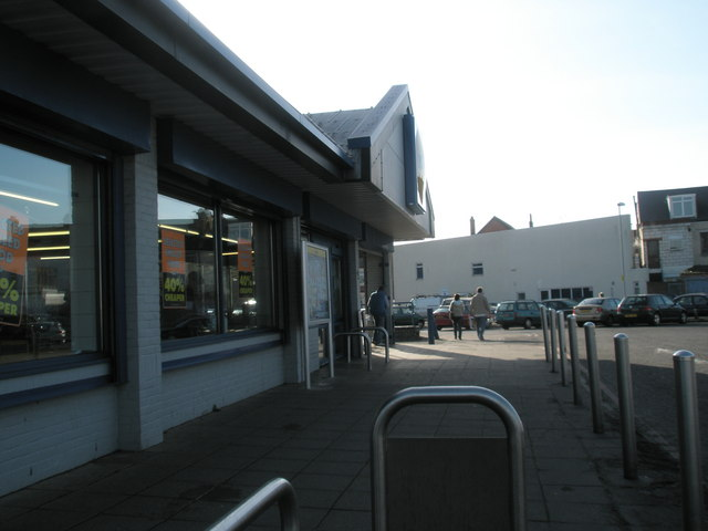 Supermarket at top of Francis Avenue