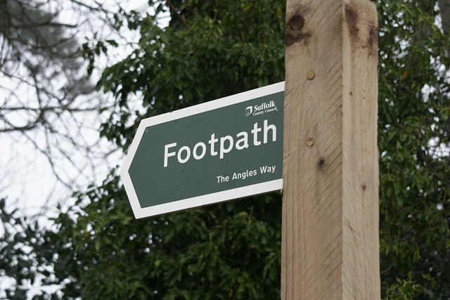 Clearly marked footpath