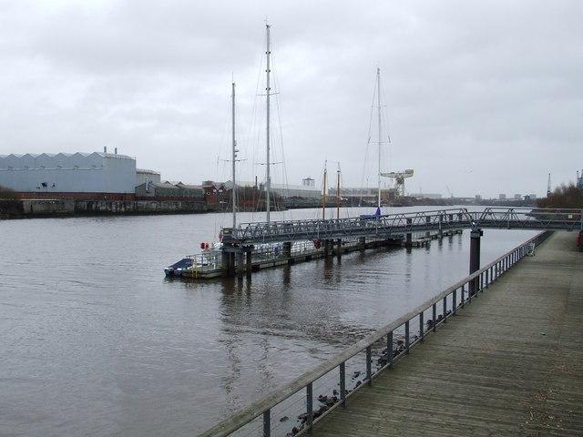 Clydebuilt pontoon