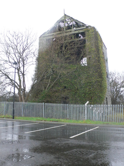 Ruin near the Graig Park Hotel.