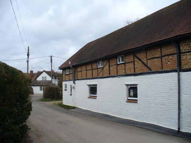 Lane at Warnborough Green