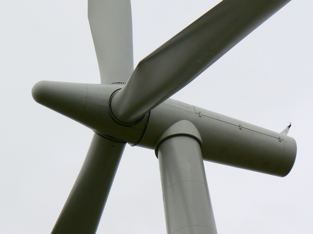 Wind turbine hub and blades, Westmill Farm, Watchfield 29th January 2008
