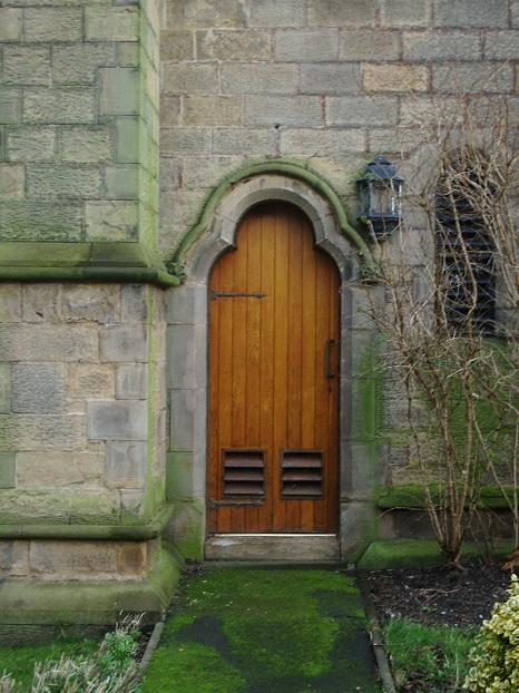 Bridge House (St Luke's Church), Doorway