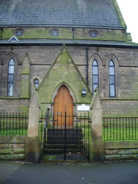 Bridge House (St Luke's Church), Porch