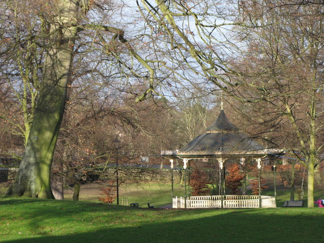 The Sele and bandstand (2)
