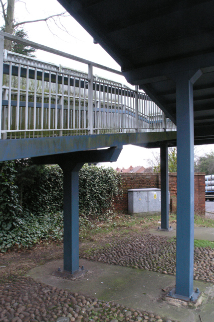 Bramcote Roundabout footbridge (3)