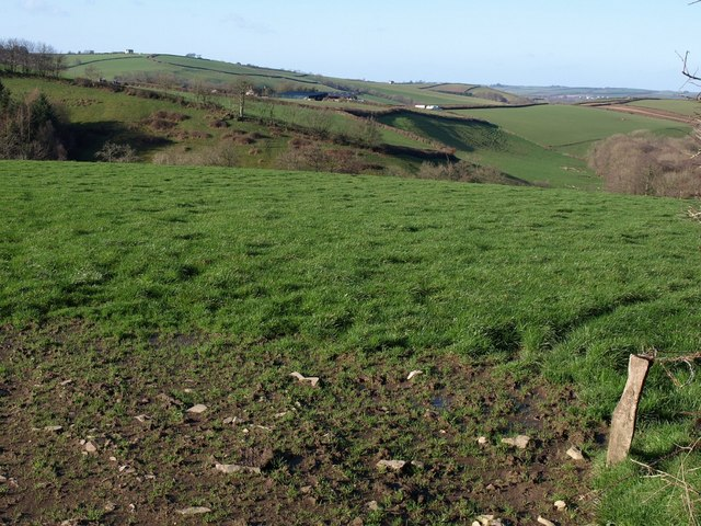 Field with a view near Eastacombe