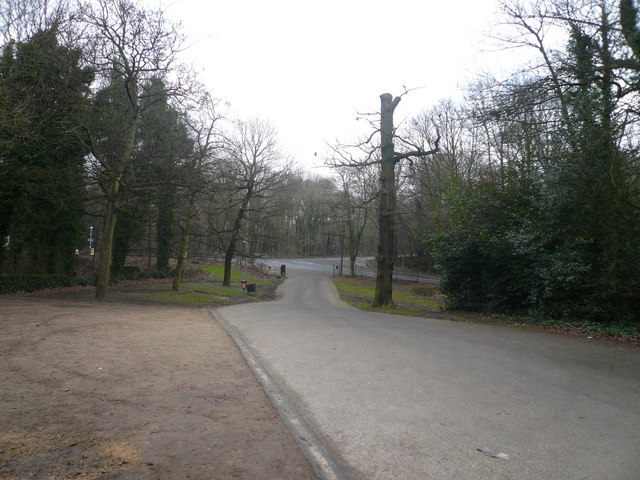 Ringwood Park Entrance