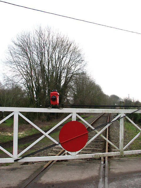 Level crossing at Thuxton station