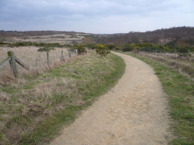 Footpath heading back to Rother Valley