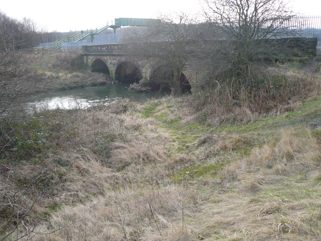 River Rother passes under railway near Beighton
