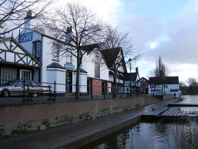 The Blue Moon Cafe and Rowing Club