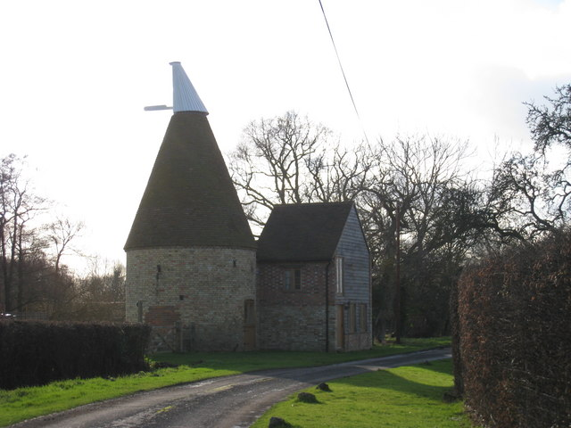 Little boy court oast boy court lane oast house for The headcorn minimalist house kent