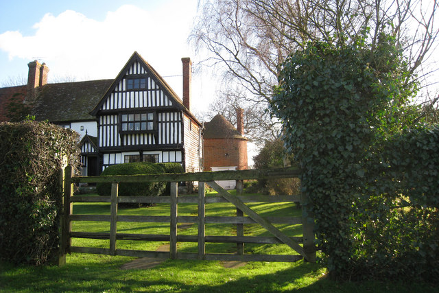 Kingsnorth Manor Farmhouse & Oast House, Crumps Lane, Ulcombe, Kent