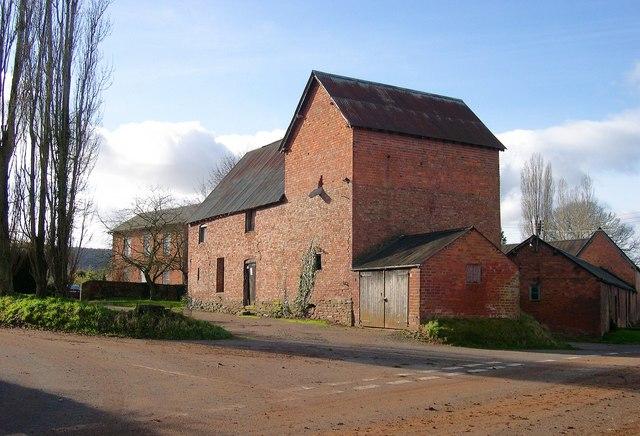 Victorian farm buildings, Upper Derndale