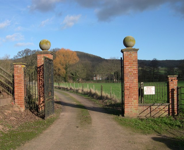 Gates to Derndale House