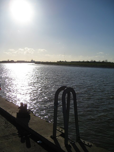 Looking upstream on the Great Ouse from Boal Quay
