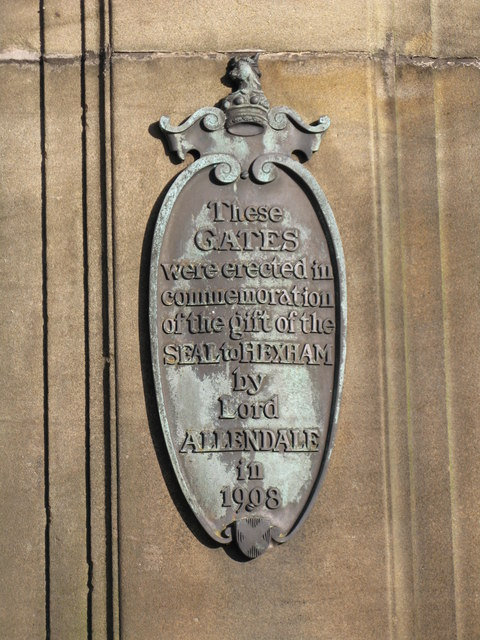 Plaque on gatepost of south entrance to the Seal
