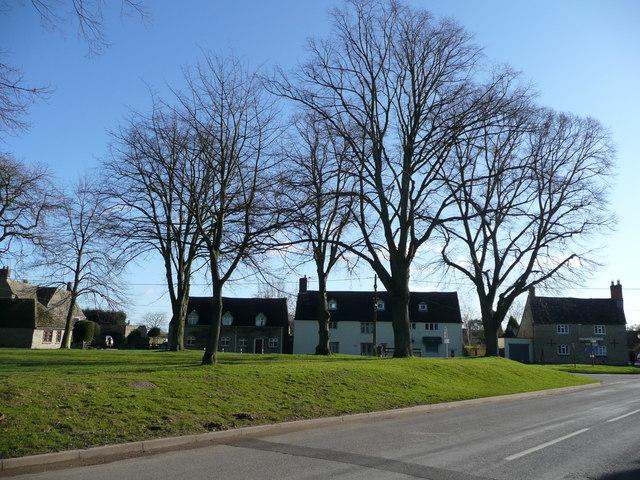 Bletchingdon village green