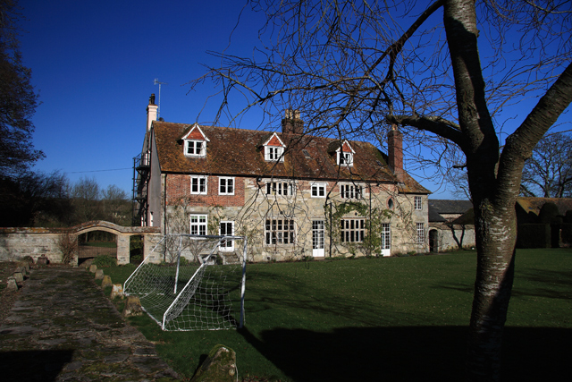Knighton Manor Farmhouse - Stoke Farthing