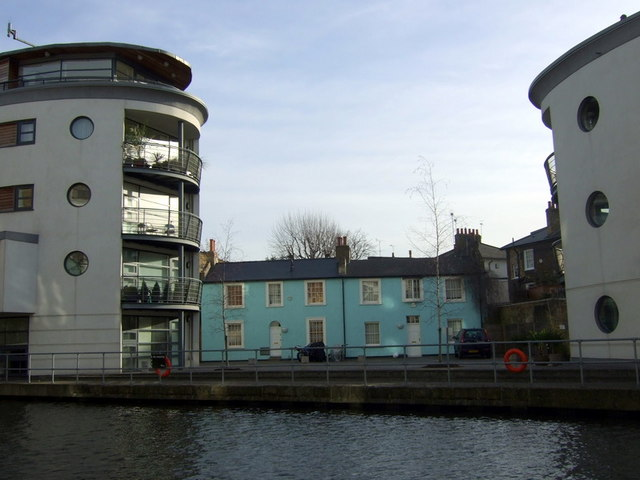 Canalside houses, Lyme Street
