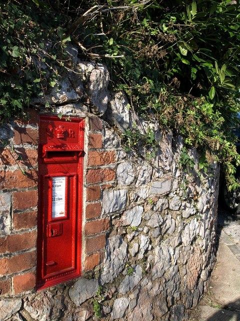 Victorian postbox, Castle Road