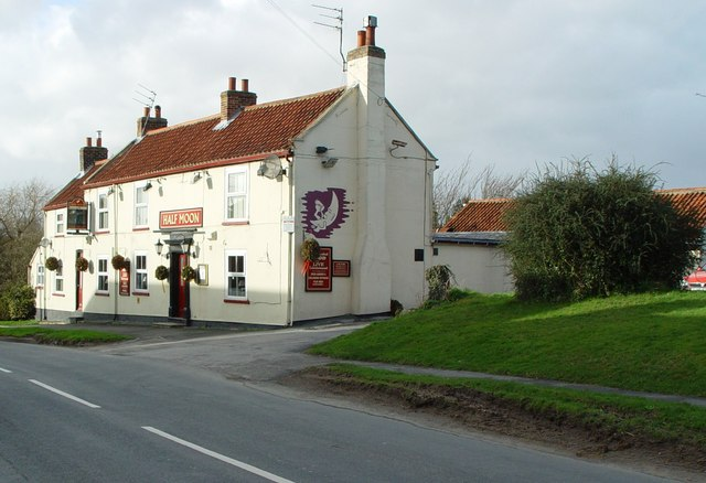 The Half Moon, Skidby