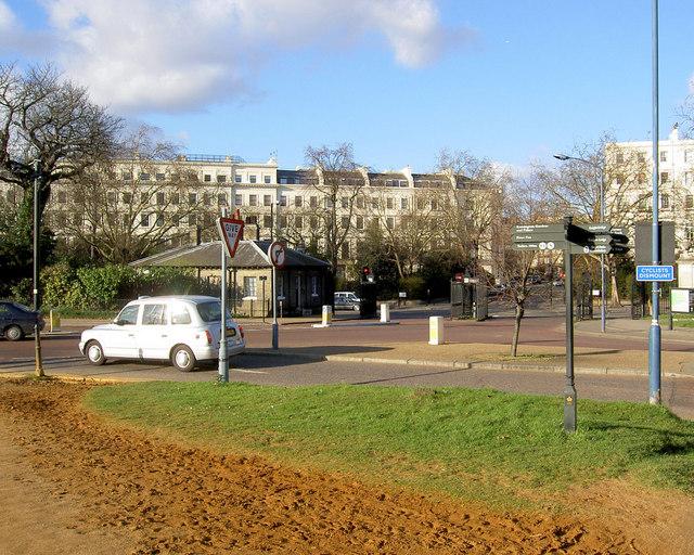 Lancaster Gate entrance to Hyde Park