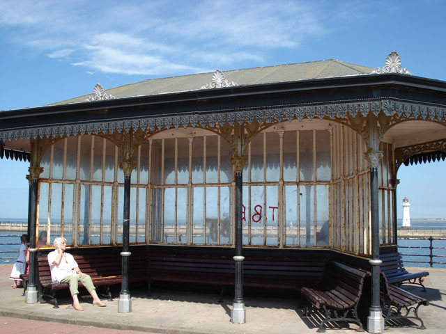New Brighton - shelter on the prom