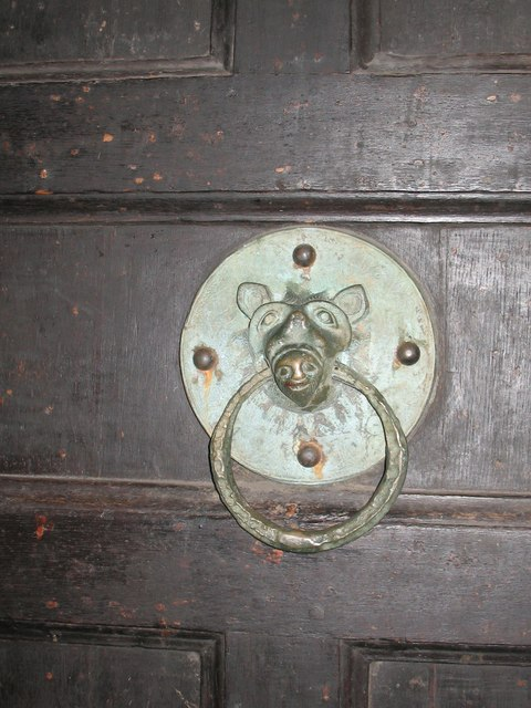 Door closing ring - All Saints, Pavement