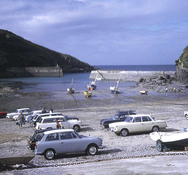Beach parking at Port Isaac