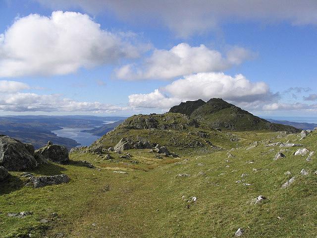 The summit ridge of Beinn Resipol