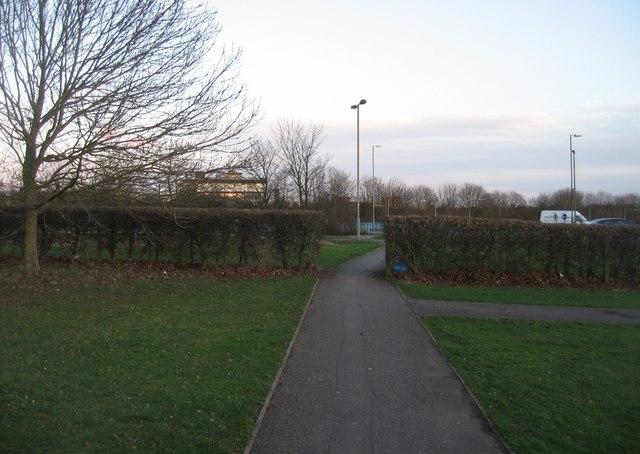 Footpath between Winklebury Way & Ashwood Way