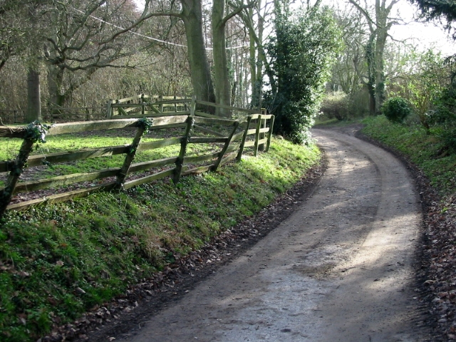 Private road to Knowlton Court